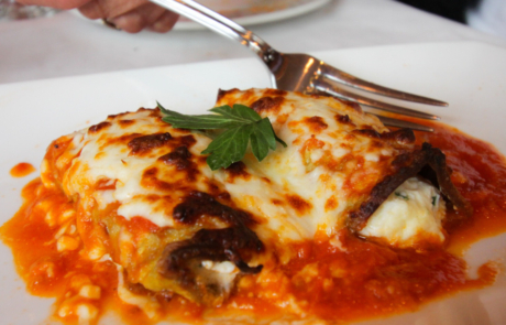 Manicotti with Red Wine Tomato Sauce
